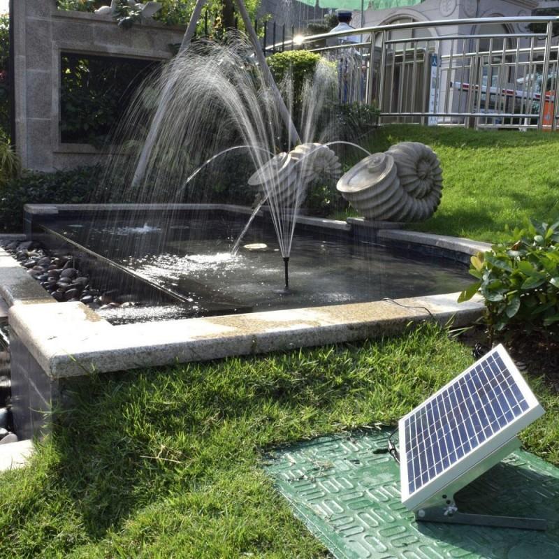 Solcelle springvand(15W) med fjernbetjening, batteri og lys