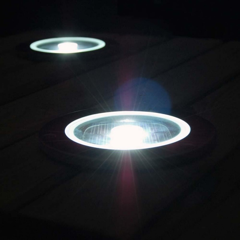 Solcelle lampe til gulv og jord