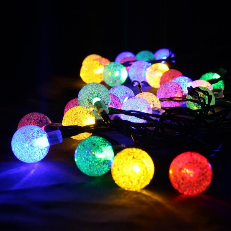 Aurora solcelle partylyskæde med kuglelys (50 LED, flerfarvet)