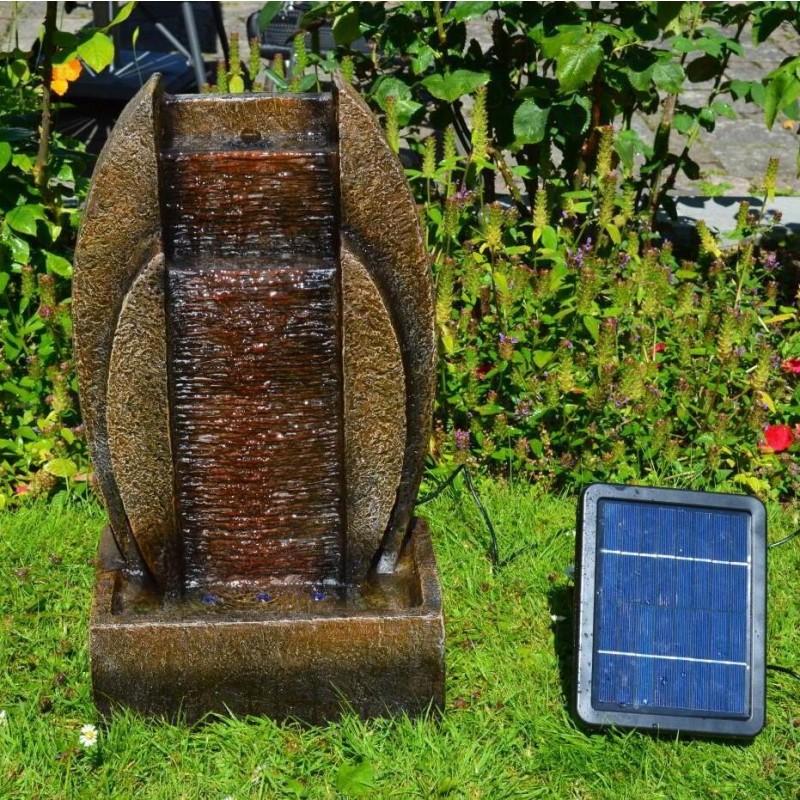 """Solcelle Fontæne med batteri """"Kilden i Stenen"""""""