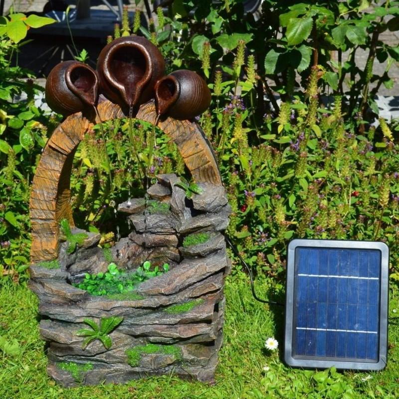 """Solcelle Fontæne med batteri """"Krukker Over Brønd"""""""
