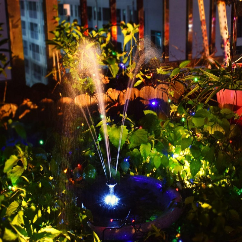 Rundt solcellespringvand med lys og batteri