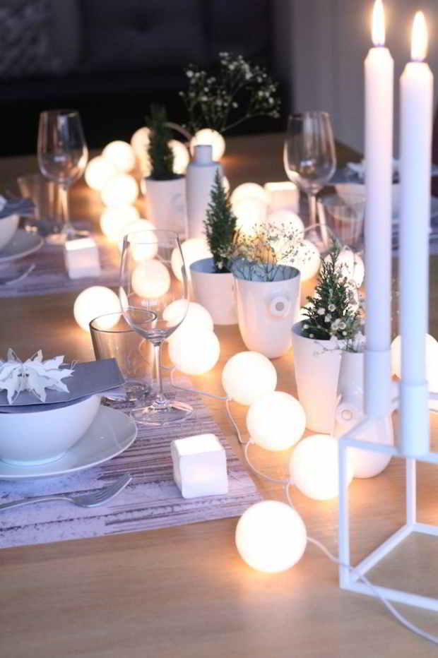 Bord med lyskæder